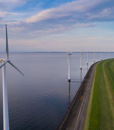 IJsselmeerdijk bij Lelystad voldoet niet aan nieuwste veiligheidsnormen en wordt komende jaren versterkt