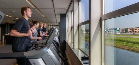 Ren je rot met uitzicht op de A2 vanuit nieuwe sportschool in Zaltbommel