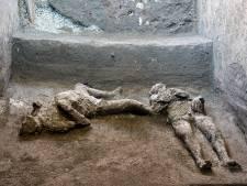 Les restes de deux personnes tuées lors de l'éruption du Vésuve découverts à Pompéi