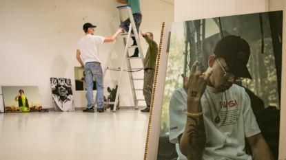 """Jonge kunstenaar toont werk in SteM: """"Van Ian Thomas tot Yung Mavu: geluk gehad om al met geweldige artiesten te kunnen samenwerken"""""""