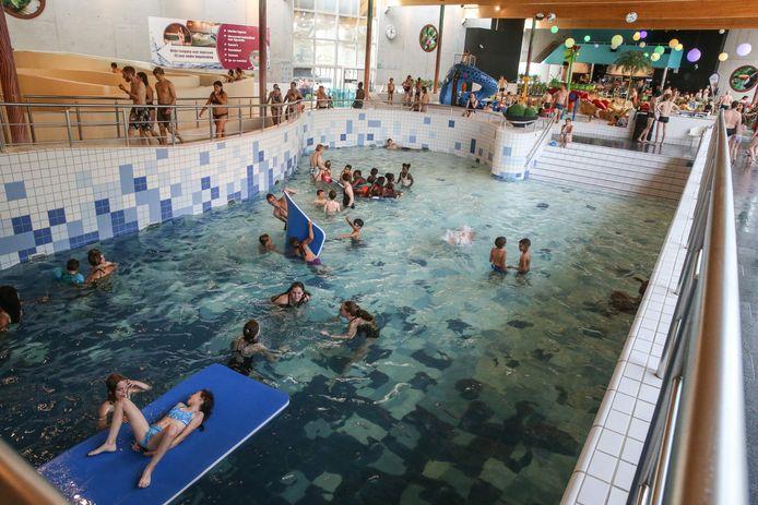 Sint-Niklaas wil een eigentijds nieuw zwembad bouwen. Bijna alle centrumsteden beschikken over een modern zwemparadijs, zoals Gent met zwembad Rozebroeken.
