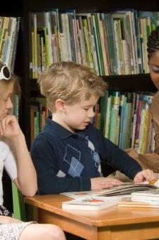 Leesconsulenten van de bibliotheek moeten kinderen aan het lezen krijgen