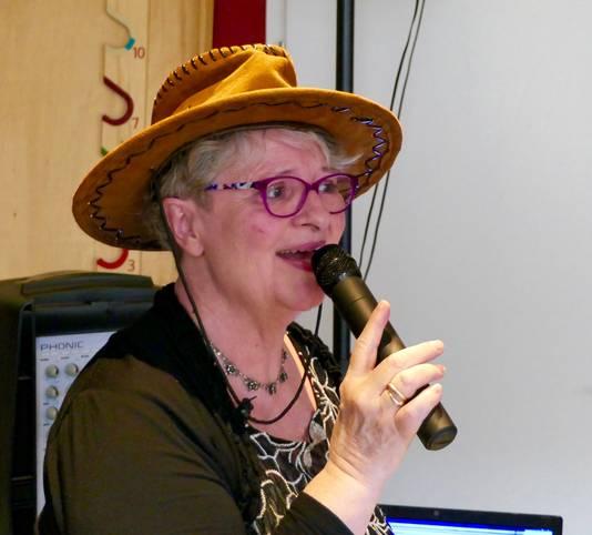 Trudy Bouman zingt er op los.