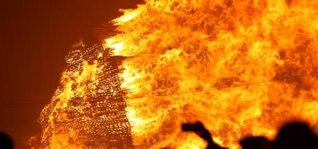 Brandstapeldebat: Raad mag ook naar zichzelf kijken