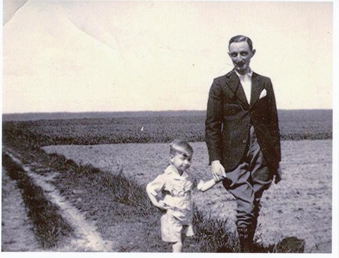 Frits Citroen met zoontje Miel.