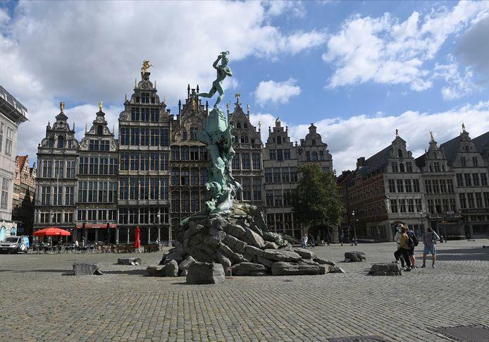Antwerpen werd ook afgelopen zomer zwaar getroffen door de coronamaatregelen. De oppositie vreest dat het stadsbestuur te weinig doet om de stad er opnieuw bovenop te helpen.