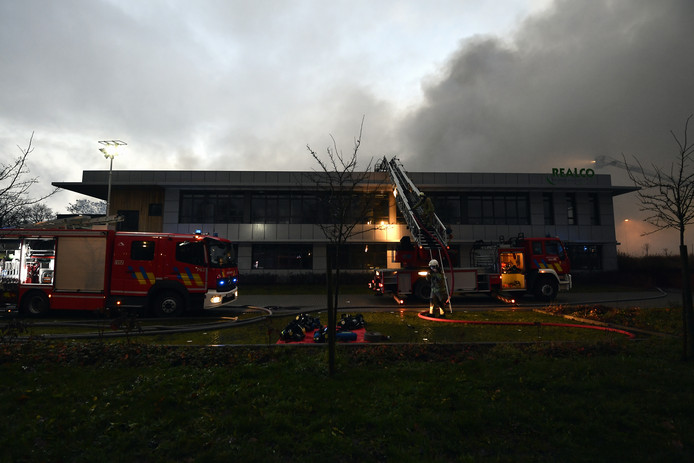 Fire fighters pictured at an important fire at an industrial building in Louvain-la-Neuve, Friday 10 January 2020. A fire broke out at the production site of Realco, a company that produces cleaning products. Several fire fighter zones have been called to the scene. BELGA PHOTO ERIC LALMAND