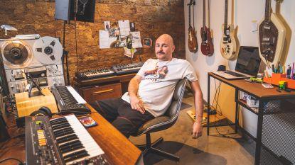 """Willy Organ (35), kale popsensatie met pornosnor, lanceert debuutplaat: """"Ik breng het levenslied op een 80's beat, maar neem dit heel serieus"""""""