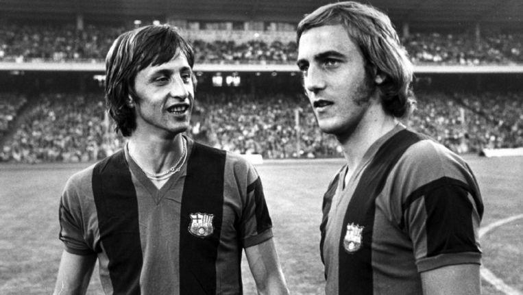 Johan Cruijff en Johan Neeskens als spelers van Barcelona in de jaren zeventig. Beeld EFE