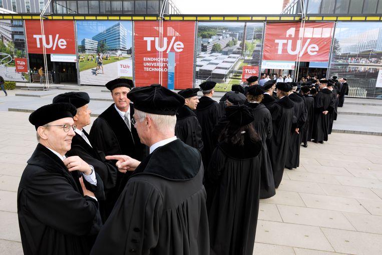 Mannelijke hoogleraren van de TU Eindhoven. Beeld Hollandse Hoogte