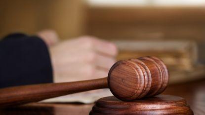Tachtiger die kleindochters misbruikte, ziet straf gehalveerd omwille van hoge leeftijd