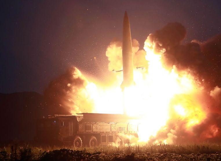 Foto van een eerdere rakettest, vrijgegeven door het Noord-Koreaanse staatspersbureau.
