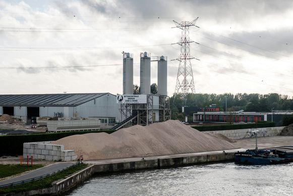 Adams Polendam verwerkt bouwafval en recycleert het.