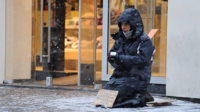 """Stad Gent deelt pasjes uit aan daklozen: """"Wie niet naar de nachtopvang wil, mag op straat blijven"""""""