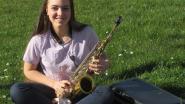 Mandy (14) speelt elke dag 'Ode aan de vreugde' op haar saxofoon