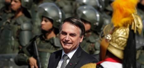 Bolsonaro pourrait envoyer l'armée pour lutter contre les incendies en Amazonie