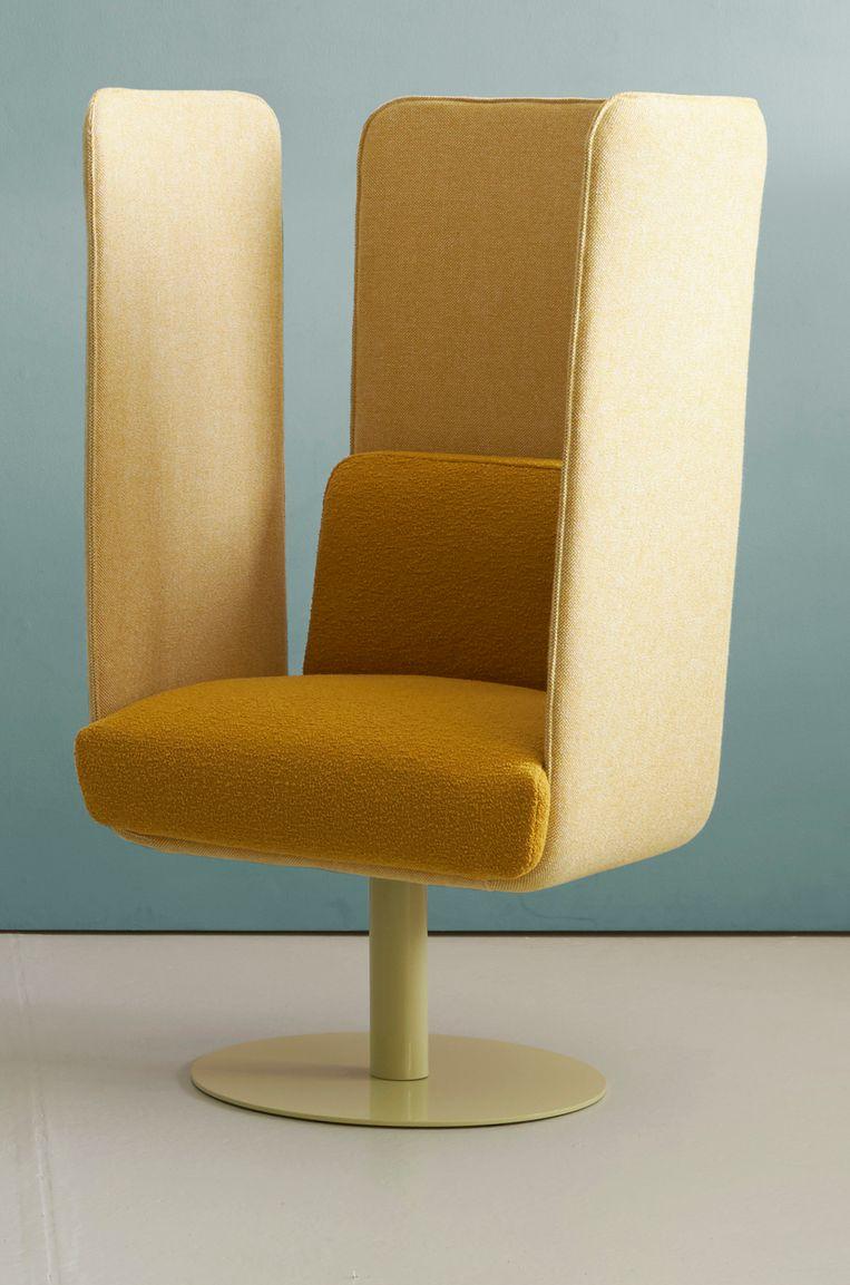 Nederlandse ontwerper Ineke Hans bedacht de 'Flix'-collectie voor meubelmerk Hitch Mylius, bestaand uit afgeschermde stoelen en banken. Vanaf € 2740.  hitchmylius.co.uk Beeld .
