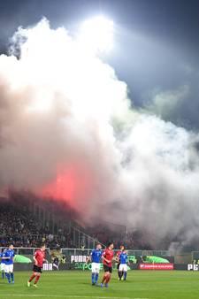 Duel Italië tien minuten stilgelegd door Albanees vuurwerk