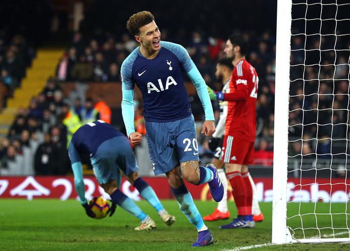 Dele Alli juicht nadat hij de 1-1 heeft gemaakt tegen Fulham.