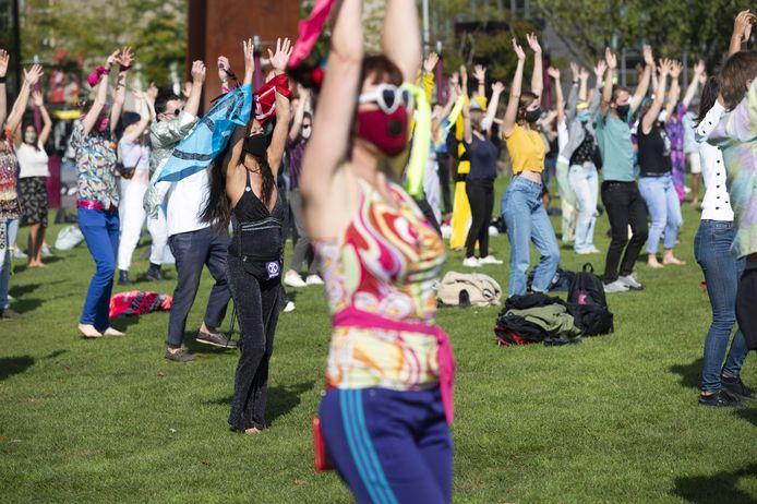 Demonstranten afgelopen weekend tijdens een actie van Extinction Rebellion op het Museumplein.