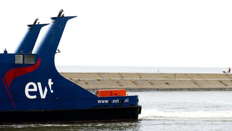 Een veerboot van Eigen Veerdienst Terschelling (EVT) in de haven van Harlingen. Beeld anp