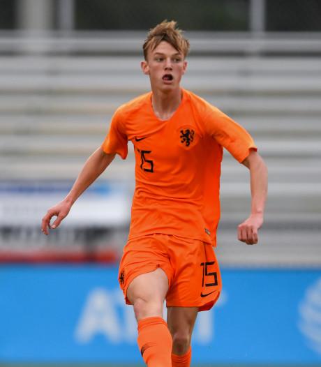 Papendrechter Guus (16) speelt in Oranje onder 17: 'Ik wil profvoetballer zijn, maar ook mijn diploma halen'