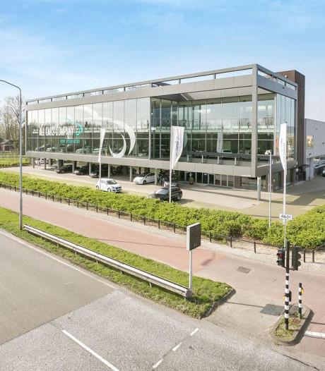 Tesla opent grootste showroom van Nederland in Eindhoven