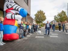 'Ook op de basisschool fiets je mono', is de boodschap op Don Boscoschool in 's-Heerenhoek