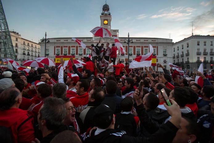Fans van River Plate op het Plaza del Sol in het hart van Madrid.