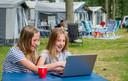 Steeds meer kampeerders willen wifi tijdens hun vakantie, maar op veel Europese campings voldoet de internetverbinding nog niet.