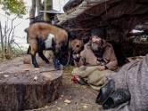 Zwerver Rigo kreeg een huis in Tilburg, maar raakt dat kwijt vanwege de liefde voor zijn dieren