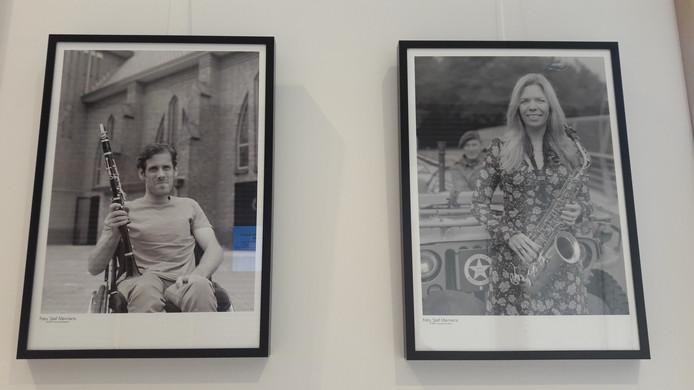 Twee foto's van de tentoonstelling.