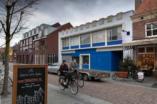 De bibliotheek van Schijndel zit nu nog (ook tijdelijk) gevestigd in een oud winkelpand aan Hoofdstraat 90.
