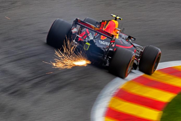 Max Verstapppen nog in zijn oude auto. Vanaf volgende week zullen we hem in zijn nieuwe auto kunnen zien.