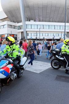 Terreurverdachte had contact met iemand in Philips Stadion tijdens concert Guus Meeuwis