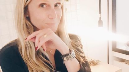 """Ex-miss Julie Taton over de zware beslissing die ze moest nemen na haar bevalling: """"Ik werd overspoeld door twijfels"""""""