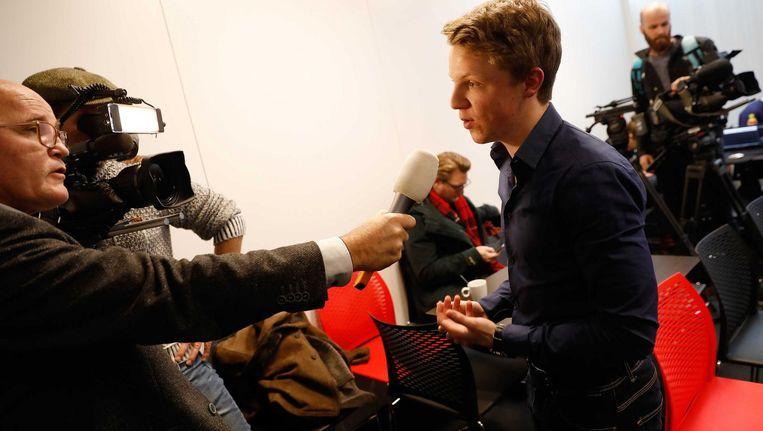 Sven Annen staat de pers te woord Beeld anp