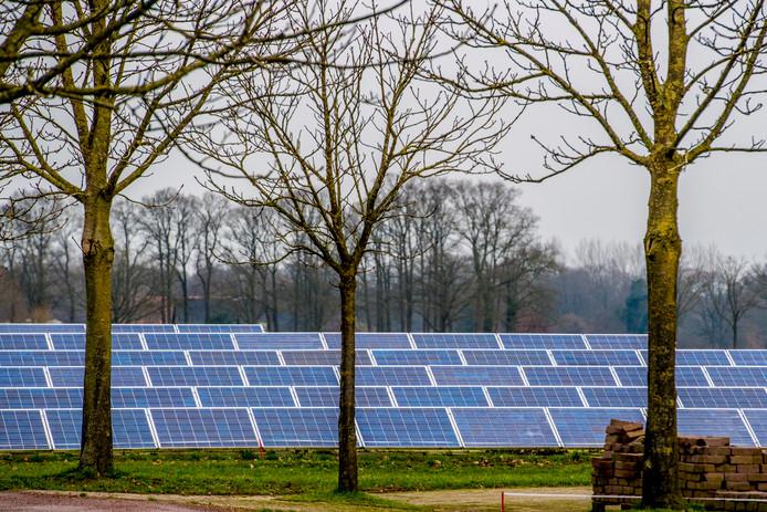 Het Energiefonds Overijssel levert al vijf jaar een grote bijdrage aan de omwenteling naar energiebesparing en het gebruik van nieuwe schone energie, waaronder zonne-energie. foto ROBIN UTRECHT