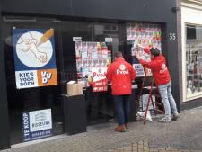 PvdA beplakt pop-upwinkel van de VVD
