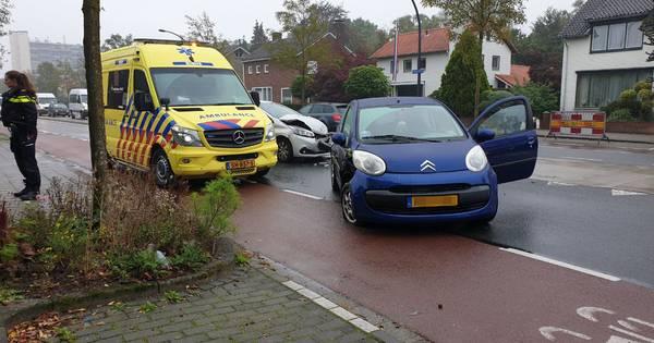 Automobilist gewond na aanrijding op Gronausestraat in Enschede.