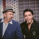 Elvis Presley samen met zijn manager, Bredanaar Dries van Kuijk, ook wel Colonel Parker.