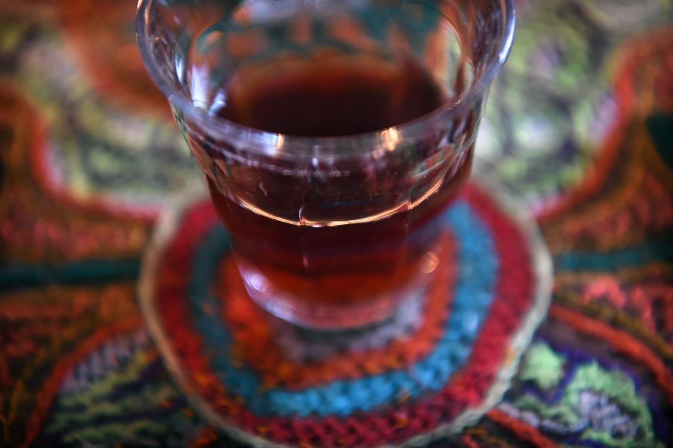 Een glas ayahuasca.