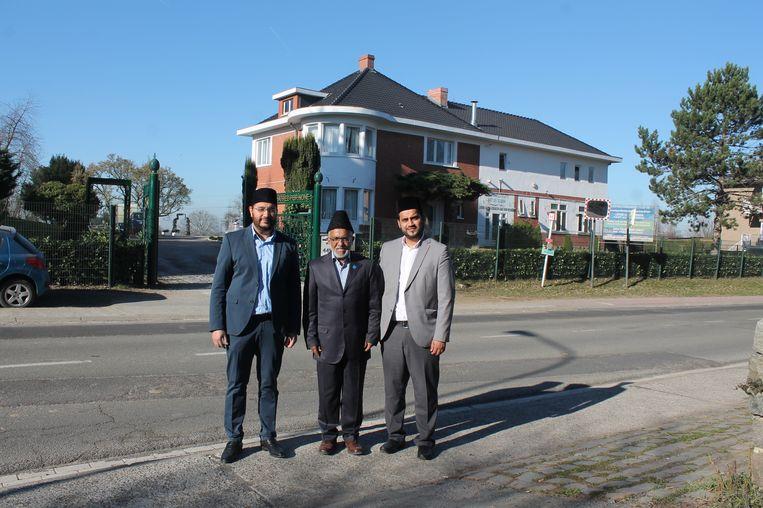 De imams van de Ahmadiyya Moslimgemeenschap zetten hun deuren iedere zaterdagnamiddag open voor het grote publiek. V.l.n.r: Imam Asad Majeeb, Essan Secunder en Tuseef Ahmad