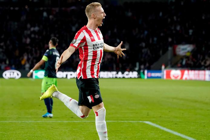 Timo Baumgartl is door het dolle heen na de 3-1 voor PSV tegen Sporting.