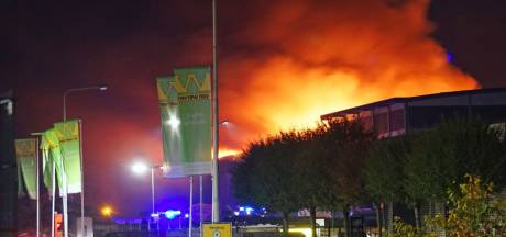 Twee felle branden kort na elkaar bij afvalverwerker in Balkbrug: loods verwoest