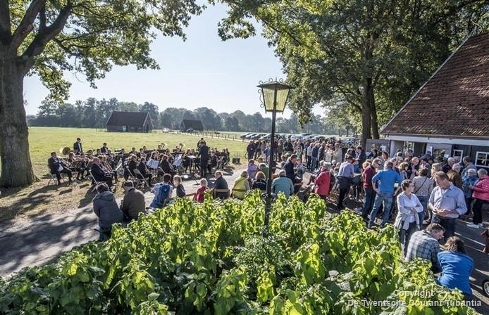 Een recordaantal deelnemers van 750 nam zondag deel aan de Cultuurtocht in De Lutte.