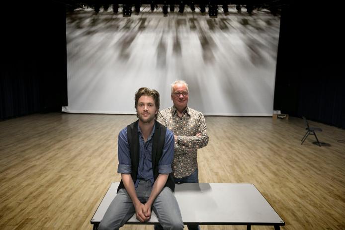 Best Johan van Genechten en Matthias Tuns, die gezamenlijk schrijven aan een toneelstuk voor theaterstichting 'Ons Eygen Landt'