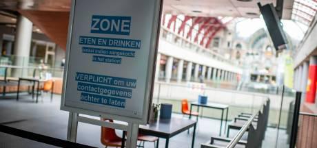"""NMBS maakt mondmaskersvrije zone in Antwerpen Centraal voor wie zijn koffie of croissant wil nuttigen: """"maximum twaalf personen en registeren is verplicht"""""""