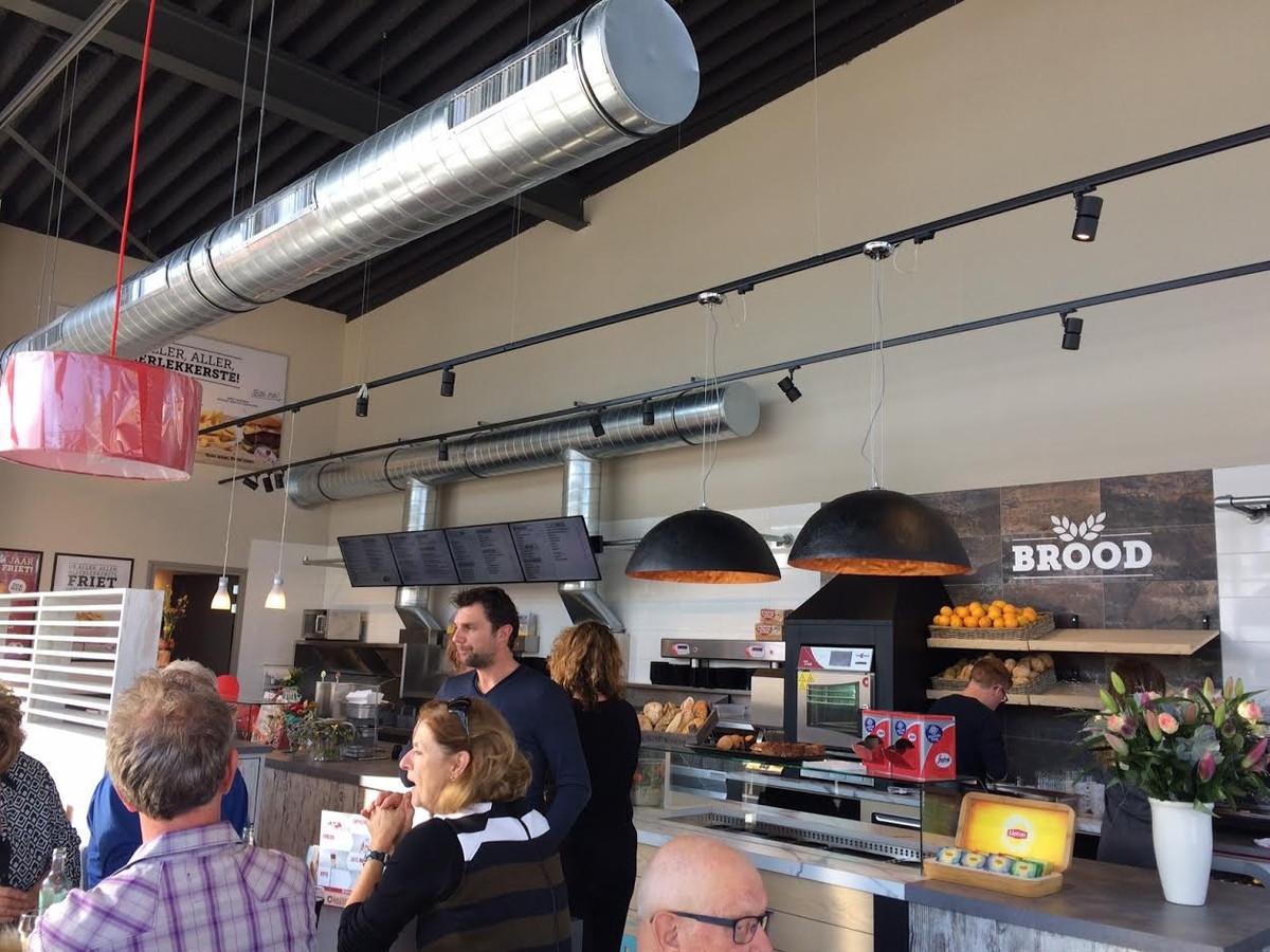 Eindelijk: Uden-Zuid heeft zijn cafetaria | Foto | bd.nl