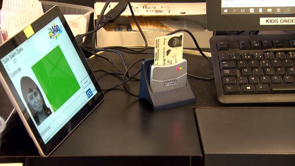 Zonder groen scherm kom je niet binnen: Gent controleert identiteitskaart van zwemmers